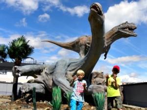 Gevaarlijke Dino's bij Dinopark Praag