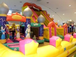 Het speelkasteel in de speelzaal van Sauerland Stern