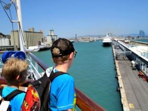 Aan boord in de haven van Barcelona