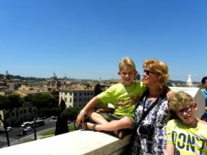Uitzicht over Rome vanaf monument Victor Emanuel II