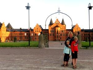 Poseren bij de Kviberg kazerne in Göteborg