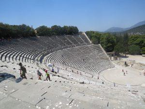 Het enorme amphitheater van Epidaurus