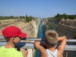 Even kijken bij het kanaal van Korinthe