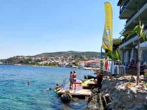 Zwemmen in zee bij Pylos