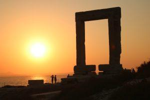Zonsondergang bij de poort van Naxos