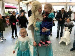 Elsa uit Frozen bij de opening van Cool Event Scheveningen