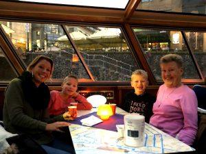 Aan boord voor de Kids Color Cruise!