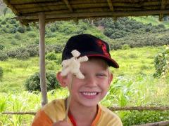 Tycho eet een sticky rice mannetje