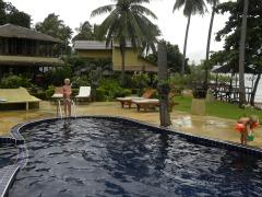 Het zwembad bij Amber Sands