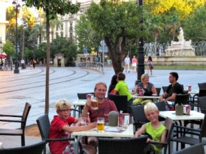 Op een terrasje in het centrum van Sevilla