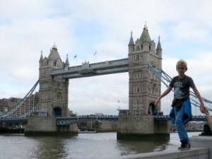 Zeb bij de Tower Bridge