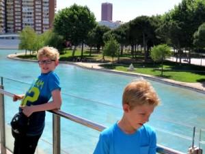 Mooi park met vijver bij Barcelona Sants