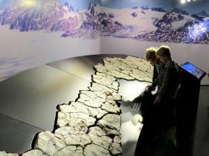 Dino-sporen in het krijt bij Mons Klint