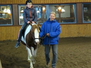 Ruiter Zeb in de manege bij Sudsee Camp