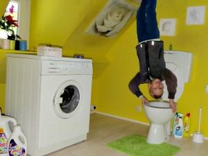 Trucfoto van Tycho in de WC-pot