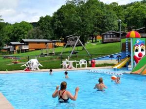 Het buitenzwembad van Landal Les Etoiles