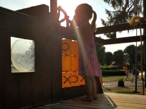 Spelen bij de grote speeltuin bij Landal Mooi Zutendaal