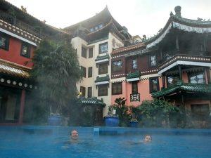 Zwemmen bij het Ling Bao Hotel in Phantasialand
