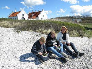 Mosselen eten op het strand bij het Limfjord Museum