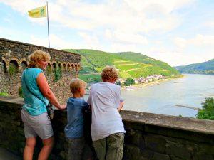 Uitzicht Burg Rheinstein bij Bingen am Rhein