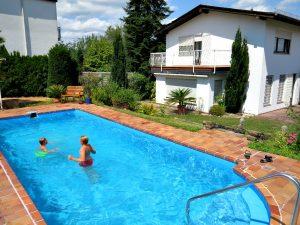 Het zwembad bij Ferienhaus Goethe in Bingen