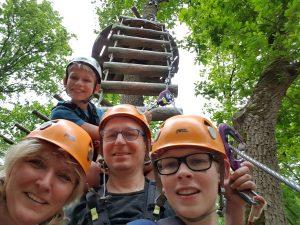 Gezin in klimbos avontuurlijk paasloo