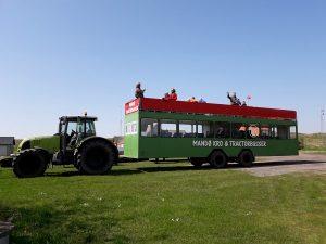 De tractorbus bij Mandø