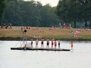 duikplank in het meer