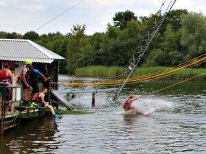 De start bij het waterskiën bij het Rutbeek