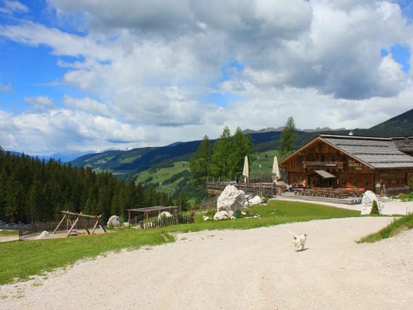 Uitzicht op de Dolomieten bij stoeltjeslift Haunold