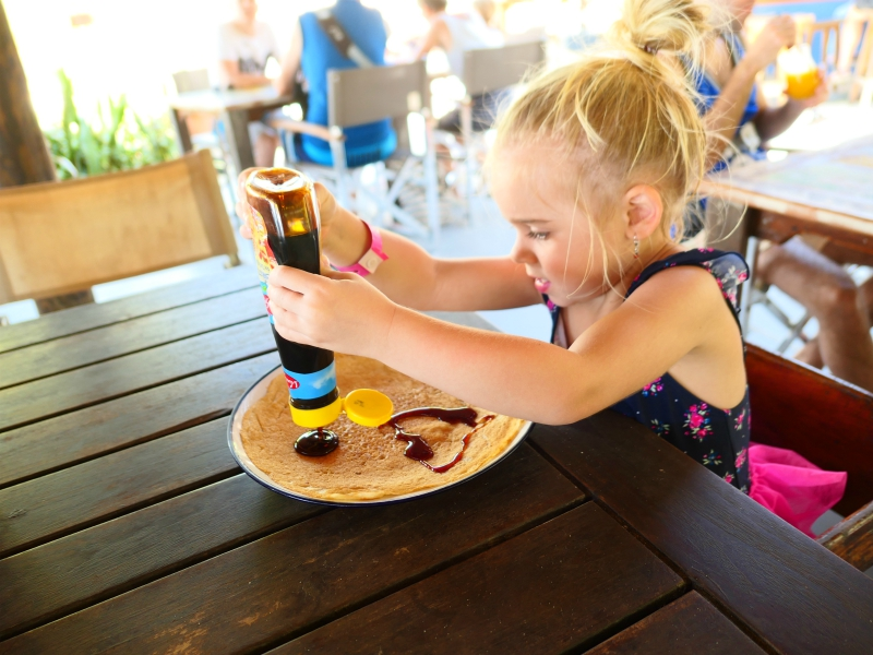 Pannenkoeken eten op Curacao