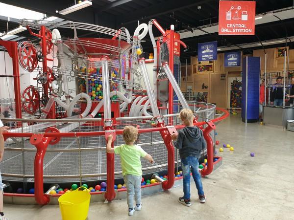 Veel plezier in de ball-factory in Universe Science Park
