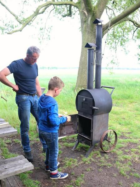 Een eigen pizza-oven bij je Boerenbed-tent is ook mogelijk.
